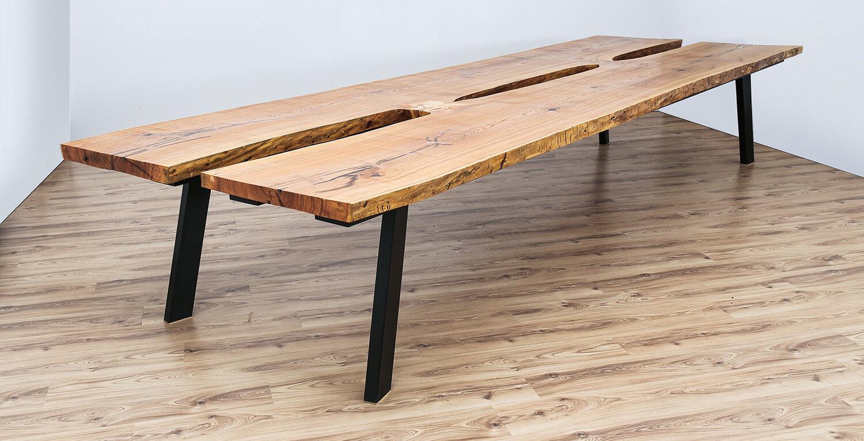 Egyedi nagyméretű kőris asztal