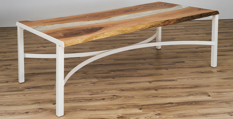 Egyedi asztal üveggel kombinálva
