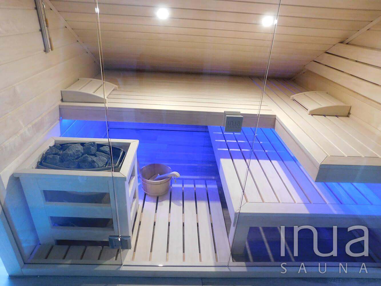 Tetőtéri kialakítású finn szauna, Bronschhofen.