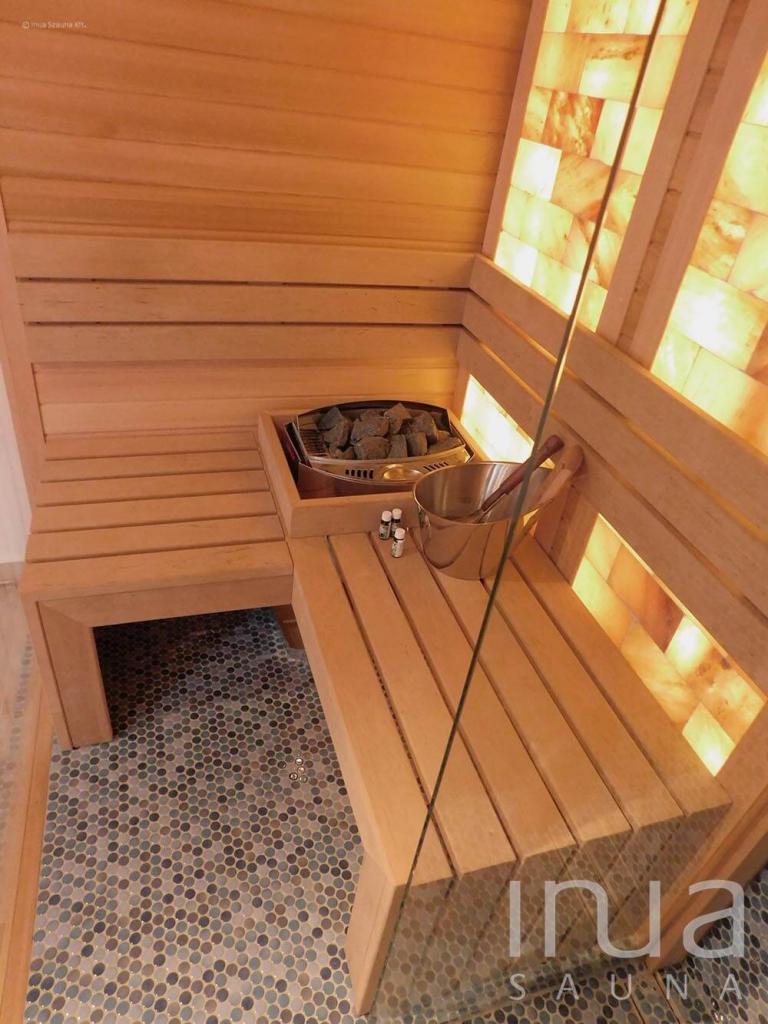 Egyedi beltéri finn és gőz szauna sófallal, és zuhanyzóval.   Inua Szauna Kft.