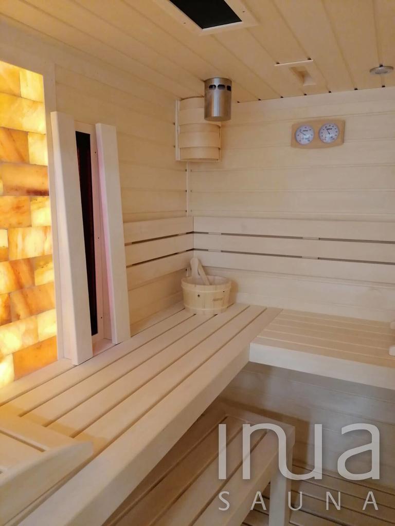 Egyedi gyártású beltéri kombinált szauna finn rezgőnyárfa felhasználásával.