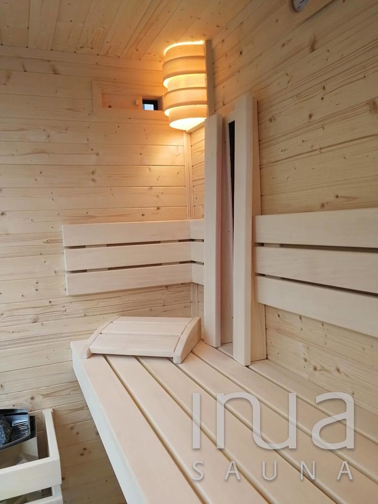 A padok egy igen strapabíró szauna építőanyagból, natúr rezgőnyárfából lettek gyártva.