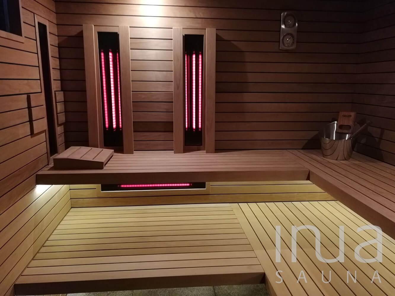 A belső burkolat thermowood égerből készült Inua panelrendszer, a padok, háttámlák és egyéb kiegészítők is mind-mind ebből a remek szauna építőanyagból készültek.