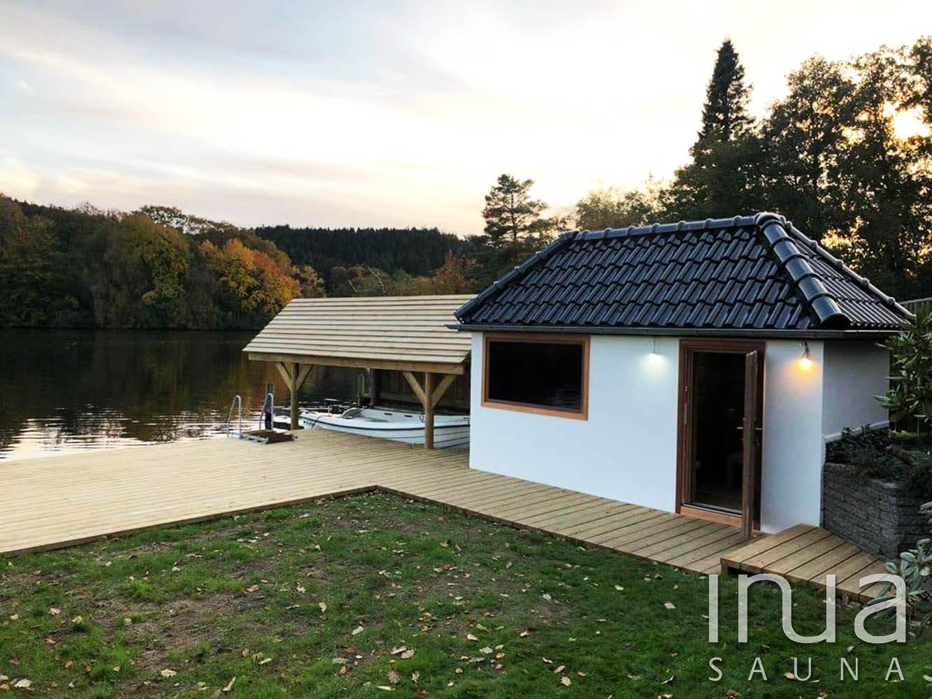 Festői környezetben elhelyezkedő egy már meglévő kisház teljes átalakításával és beépítésével telepített beltéri kombinált szauna.
