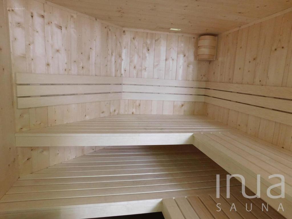 4cm vastag natúr tömör fenyő vázszerkezettel ellátott beltéri finn szauna. | Inua Szauna Kft.